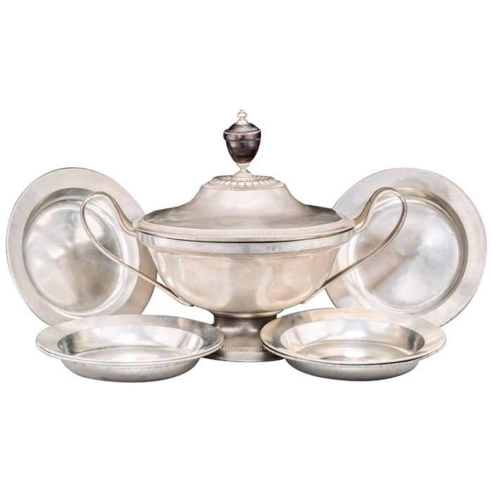 18th Century French Pewter Tureen and Six Bowls