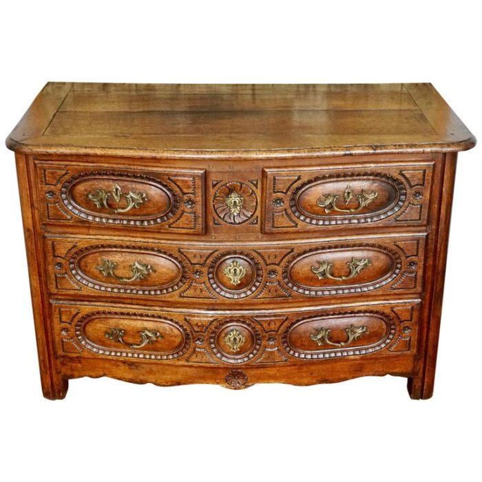 Louis XV French Provincial Oak 18th Century Commode Chest