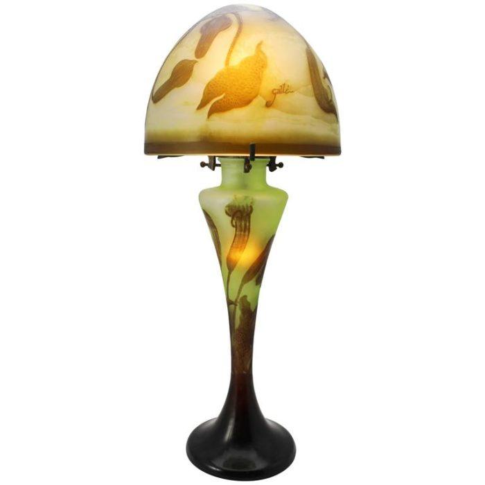 Emile Galle Cameo Art Nouveau Lamp, circa 1900