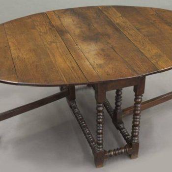 Large 18th Century English Oak Oval Gateleg Dining Table
